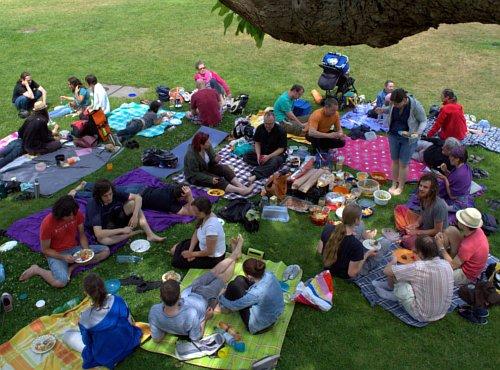 Veganes Picknick im Schlossgarten Karlsruhe